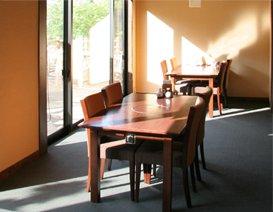お食事処「旬鮮茶屋 野海棠」テーブル席