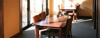 お食事処(旬鮮茶屋 野海棠)テーブル席