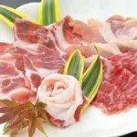 【夕食】牛、豚、鶏…いろいろなお肉をしゃぶしゃぶでお楽しみください。