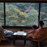 【和室10畳】静かな空間と落ち着きのある和モダンの客室。