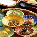 【朝食】その場で仕上げる豆腐ほか、胃に優しい和篭膳。前の晩、美味しい食事を食べ過ぎても大丈夫!