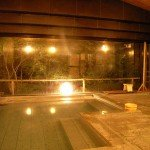 【風呂】トロトロの湯に浸かり、ゆっくりと休日を楽しむ…大浴場(内湯)みょうばん泉をご堪能下さい。